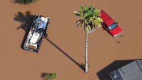 Wieder Feuer in Chemiefabrik: Viele Flutopfer in Texas fühlen sich im Stich gelassen