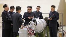 Propagandafoto aus Pjöngjang: Kim Jong Un gibt im nordkoreanischen Atomprogramm die Richtung vor.