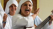 Heiliger Sound: 28-jährige Nonne rappt für den Papst