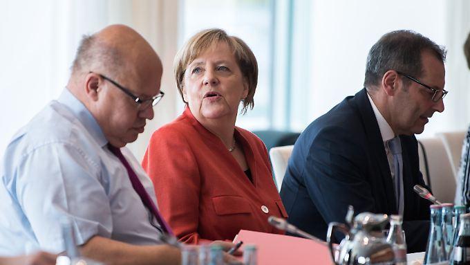 Kanzlerin Merkel traf im Kanzleramt Vertreter von Kommunen und Ländern.
