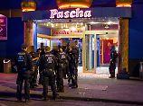 Razzia im Nachtclub Pascha: Polizei durchsucht Kölner Bordell