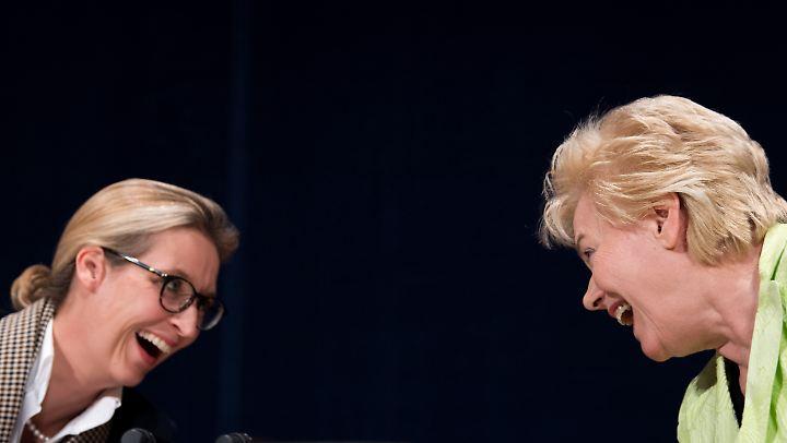 Alice Weidel (l.) und Erika Steinbach: gemeinsam für den Wahlerfolg der AfD.