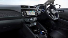 Der Innenraum im neuen Nissan Leaf ist nicht mehr so futuristisch, hat aber den computermausartige Gang-Wählhebel behalten.