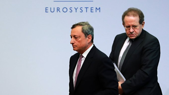 Draghi in der Kritik: EZB belässt Leitzins auf Rekordtief