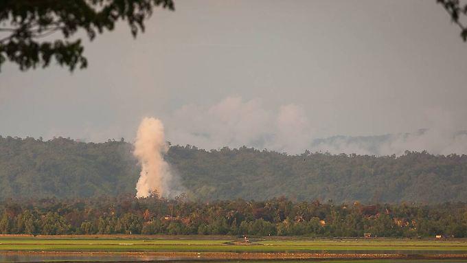 """Die Armee in Myanmar geht mit """"Räumungsaktionen"""" gegen die Rohingya vor."""