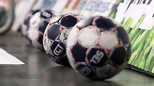 Der Sport-Tag: Handball-Altmeister stürzt komplett ab