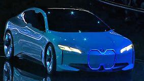 """""""Ein Blick in unsere Zukunft"""": Der neue BMW i Vision Dynamics steht mächtig unter Strom"""