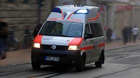 Unglück in Sarstedt: Ein Jugendlicher versteckt in seiner Hosentasche selbstgebautes Sprengmittel.
