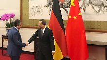 Kurzbesuch in Peking: Gabriel fordert Doppelstrategie für Nordkorea