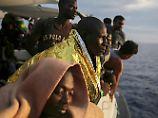 Mehr als 5000 Flüchtlinge retteten die libysche und italienische Küstenwache innerhalb von nur einer Woche.