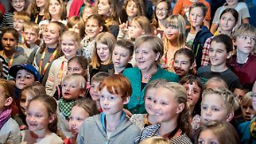 """Kinder löchern Merkel: """"Ich wäre vielleicht gerne eine Astronautin"""""""
