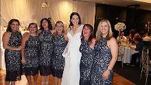 """""""Nicht die Brautjungfern"""": Sechs Frauen bei Hochzeit im gleichen Kleid"""