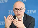 Daumen hoch an der Börse: ZEW-Index zieht kräftig an