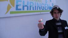 Satire-Aktion endet im Gericht: Student bringt sein Dorf gegen sich auf