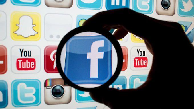Soziale Medien sind für Politiker unverzichtbar.