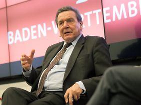 Gerhard Schröder hält eine Kanzler-Amtszeit von zwei Legislaturperioden für ausreichend.