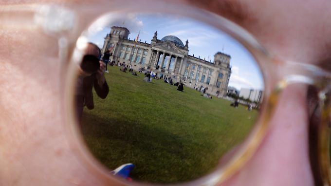 Das gab's schon länger nicht: Sechs Parteien werden aller Voraussicht nach in den Bundestag einziehen.
