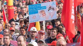 Stahl-Großdemo in Bochum: ThyssenKrupp-Arbeiter sorgen sich um Arbeitsplätze