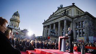 Parteien im Wahlkampfendspurt: Merkel gegen Schreihälse, Schulz gegen den Trend