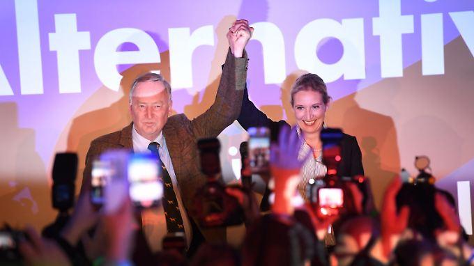 Das ungleiche Duo Alexander Gauland und Alice Weidel haben aus Sicht der AfD einen sehr erfolgreichen Wahlkampf gemacht.