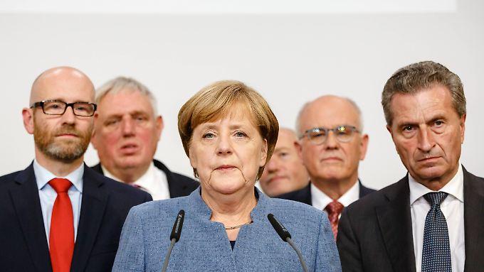 Angela Merkel umgeben von Parteispitzen: Die Stimmungskanonen kamen aus der Jungen Union.