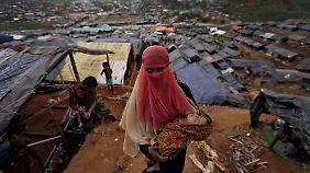 In den vergangenen Wochen haben mehr als 400.000 Menschen das Land verlassen. (Im Bild ein Flüchtlingscamp in Cox's Bazar)