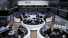 Der Börsen-Tag: Dax blickt kleinlaut in den Dienstag
