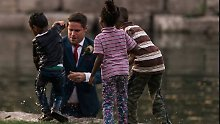 Besondere Hochzeitsfotos: Bräutigam rettet ertrinkendes Kind