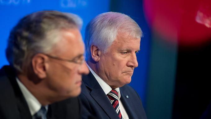 Joachim Herrmann und Horst Seehofer - was tun gegen die Konkurrenz von rechts?