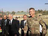 Pentagon-Chef in Afghanistan: Raketenangriff überschattet Mattis-Besuch