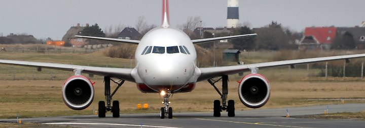 Pannen-Landung auf Sylt: Air-Berlin-Jet rollt über die Landebahn hinaus
