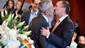 Historische Trauungen in Deutschland: Erste Paare schließen Ehe für alle