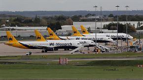 """Britische Airline stellt Betrieb ein: Tausende Passagiere stranden nach """"Monarch""""-Pleite"""