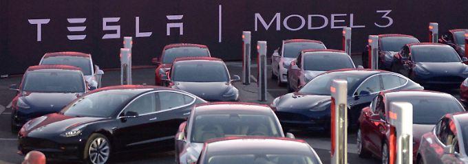 Tesla Model 3: Tesla Grohmann Autmation liefert Produktionsanlagen für das wichtige Modell.