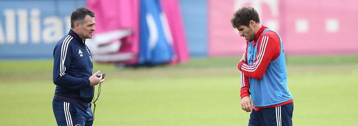 Trainer-Krise beim FC Bayern: Hoeneß verrät Guardiola den Ancelotti-Nachfolger