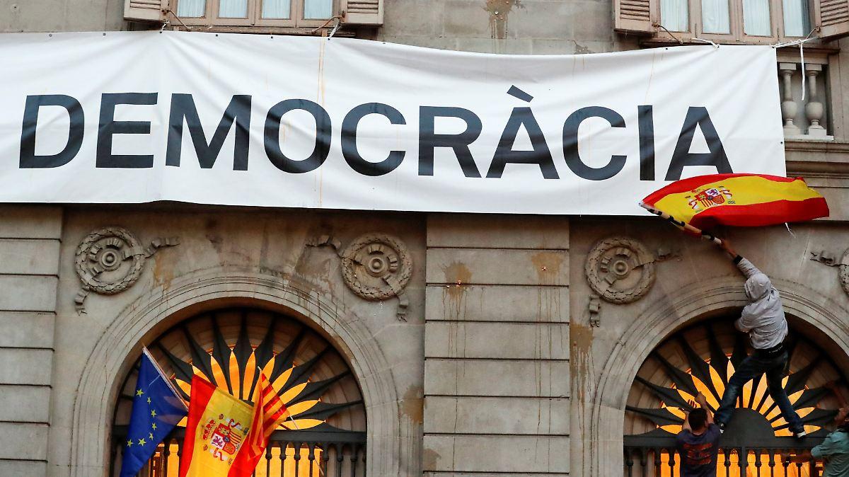 Madrid fordert Neuwahlen in Katalonien