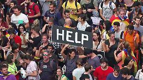"""""""Wir warten, bis sie uns verprügeln"""": Katalanen trotzen mit wilder Entschlossenheit"""