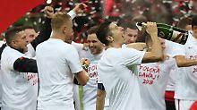 Turbulentes WM-Quali-Finale: Lewandowski schießt Polen zur WM
