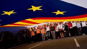 Trotz Protesten gegen Abspaltung: Puigdemont hält an Unabhängigkeit Kataloniens fest