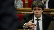 Katalanen verschieben Abspaltung: Puigdemont spielt auf Zeit