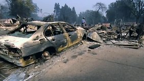 Über 2000 Häuser abgebrannt: Kalifornier suchen in den Brandruinen nach Erinnerungen