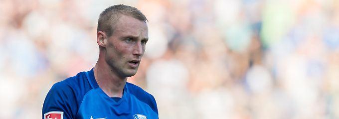 Felix Bastians erhält Rückenwind von der Spielergewerkschaft: Die hält seine Suspendierung für rechtswidrig.