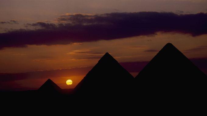 Die Pyramiden von Gizeh erinnern noch heute an den Reichtum der Alten Ägypter.