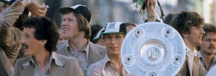 Redelings über die Saison 76/77: Schalke ist wie im Kaufhof mit Mutti