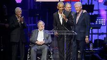 Da sind sie: Die ehemaligen US-Präsidenten Jimmy Carter, George Bush Sen., Barrack Obama, George W. Bush und Bill Clinton (von links nach rechts)