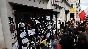 Auch vor der maltesischen Botschaft in London formierte sich eine Demonstration.