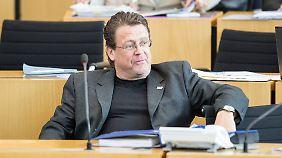 """Bezeichnete andere Abgeordnete als """"Koksnasen"""" und """"Kinderschänder"""": Stephan Brandner sitzt demnächst auch im Bundestag."""