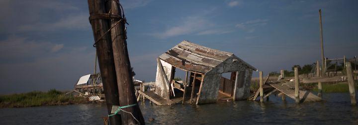 Der Meeresspiegel steigt jedes Jahr weiter an und überschwemmt weitere Teile der Insel.