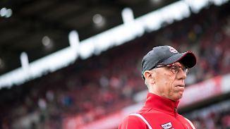 Aus für Stöger nach Nullnummer?: Köln-Fans nehmen Trainer in Schutz - und üben Kritik