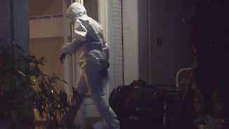 Zweijährige tot in Wohnung aufgefunden: Hamburger Polizei fahndet nach flüchtigem Vater